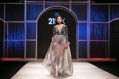 Á hậu 2 Mâu Thủy là người mở màn cho thương hiệu 21Six tại Vietnam International Fashion Week