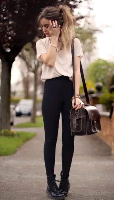 Mix quần Legging với giày cổ cao