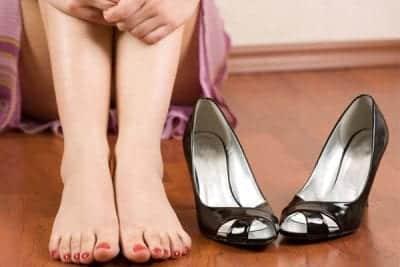 Mùi hôi chân luôn gây khó chịu cho chính bản thân bạn và những người xung quanh