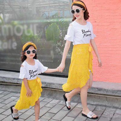Bất kỳ kiểu chân váy nào cũng rất hợp với áo phông đặc biệt là kiểu chân váy đuôi cá này