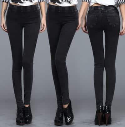 Quần Skinny khá giống với thiết kế quần Jeans, do đó nhiều người quen gọi Skinny là quần giả Jeans