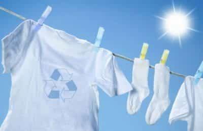 Luôn giặt sạch và phơi khô tất