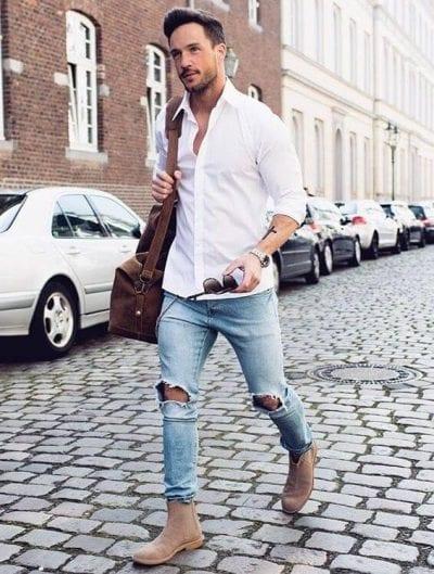 Cách phối áo sơ mi trắng nam với quần jean cá tính.