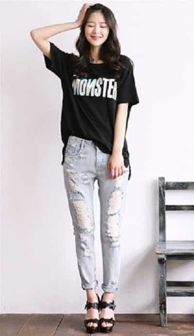 Áo oversize + quần jean vừa thoải mái vừa năng động cho học sinh nữ cấp 3