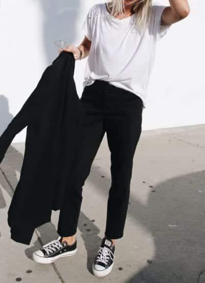 Phối đồ với giày thể thao nữ trắng và đen
