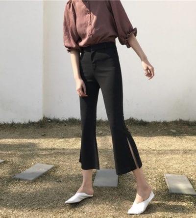 Set đồ áo sơ mi và quần ống loe đen lửng phù hợp cho các cô nàng văn phòng thanh lịch sành điệu.