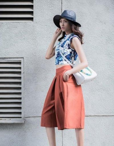 Sành điệu, thời trang, khoe trọn vẹn vòng 2 với cách mix quần culottes với áo croptop