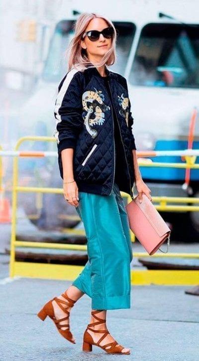Dạo phố với phong cách mới lạ khi mix áo bomber cùng quần Culottes
