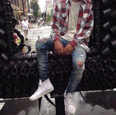 Trở thành chàng trai nổi loạn với cách mix áo sơ mi Flannel caro cùng quần jeans