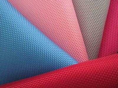Khả năng nhuộm màu lên chuẩn và rõ nét của Polyester
