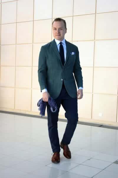 Chiếc quần Trouser cùng áo khoác Suit Jacket là bộ đôi không thể thiếu khi mặc Suit