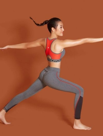 Mix quần Legging cùng áo Croptop thể thao