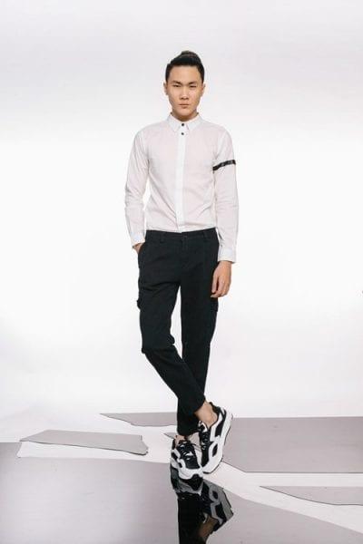 Phối giày thể thao nam tông màu đen, trắng.