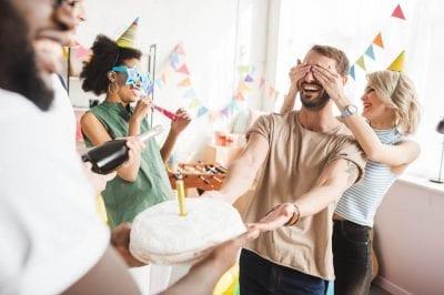Tổ chức sinh nhật bất ngờ dành cho chàng những khoảnh khắc đáng nhớ nhất trong cuộc đời