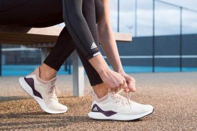 Đừng quên đầu tư một đôi giày thể thao tốt