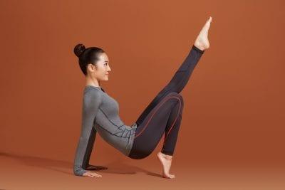Chiếc áo thun đơn giản để mặc đi tập yoga