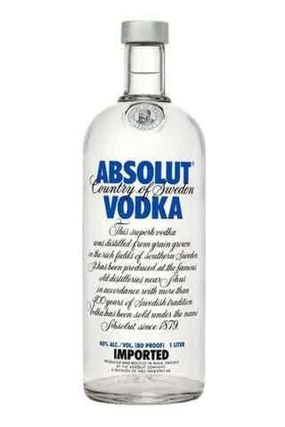 Dùng rượu Vodka tẩy trắng áo sơ mi