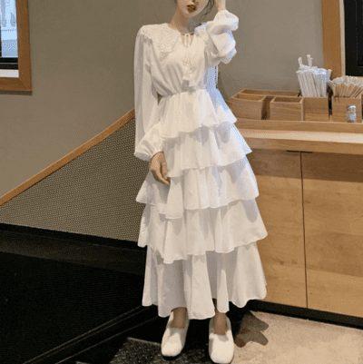Những chiếc váy ren, váy tầng bánh bèo là item chủ đạo của shop @ulzzang.wind