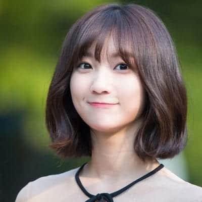 Tóc ngắn con gái mặt tròn