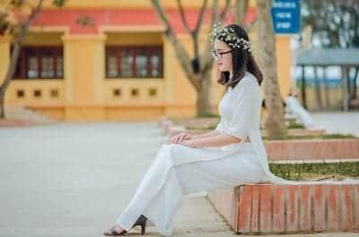 Áo dài Hạnh chuyên cung cấp các kiểu áo dài đa dạng về màu sắc, mẫu mã, phù hợp với nhiều sự kiện khác nhau như áo dài học sinh, áo dài cưới…