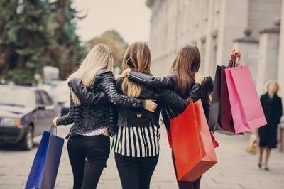 Shop Nguồn Sỉ nhập hàng trực tiếp từ Quảng Châu mà không qua bất kỳ trung gian nào, giúp khách hàng luôn được lấy sỉ với mức giá tốt nhất thị trường hiện nay