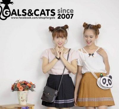 Gal & Cat cung cấp hàng ngàn mẫu váy áo, quần jeans, áo kiểu, đầm liền,… với kiểu dáng bắt mắt, đường may tinh tế và chất liệu vải tốt được nhập từ Quảng Châu