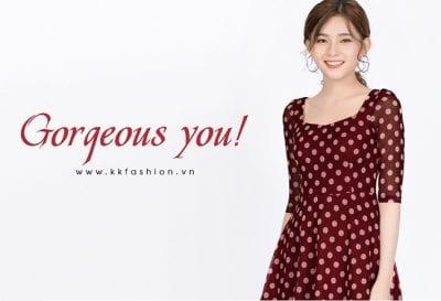Các mẫu thiết kế của K&K Fashion luôn có tính ứng dụng cao, vừa thích hợp mặc đi làm, vừa có thể mặc đi dạo phố
