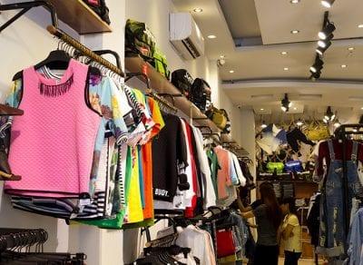 Những mẫu trang phục ở Toto Shop theo phong cách cá tính, mạnh mẽ và có chút bụi bặm