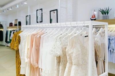 Đên với MARC Fashion, bạn sẽ được đắm chìm trong không gian quần áo với nhiều mẫu mã đa dạng
