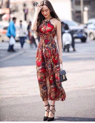 Váy maxi dạng yếm quyến rũ cho ngày hè