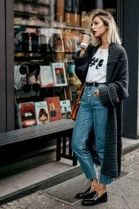 Áo cardigan dáng dài có rất nhiều cách mặc đẹp. Vậy nên chẳng có lý do nào để không sở hữu ít nhất một vài chiếc trong tủ.