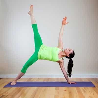 Hãy chọn đồ tập mới cho bạn để có những trải nghiệm yoga tuyệt vời nhất