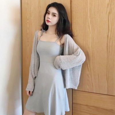 Chị em có thể phối váy và áo theo phong cách ton-sur-ton.