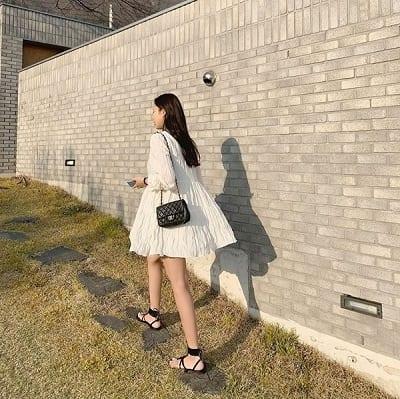 Váy trắng nhún thun