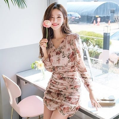 Váy ngắn ôm body hoạ tiết hoa