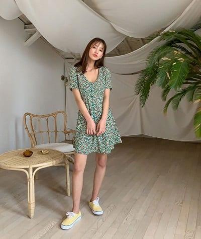 Váy hoa ngắn