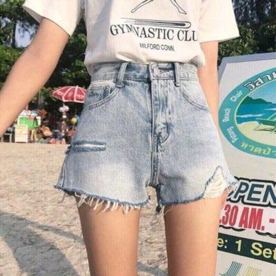 Quần short jean nữ – giá sỉ 70,000 – 75,000đ /cái.