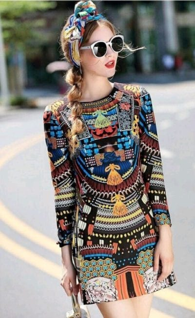 Đầm vải xô họa tiết – giá sỉ theo số lượng:280,000 – 310,000đ /cái.