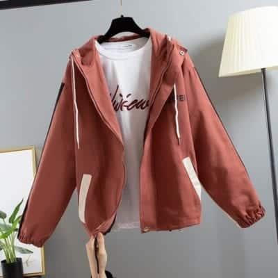 Áo khoác kaki nữ – giá sỉ 83,000 – 93,000đ /cái.