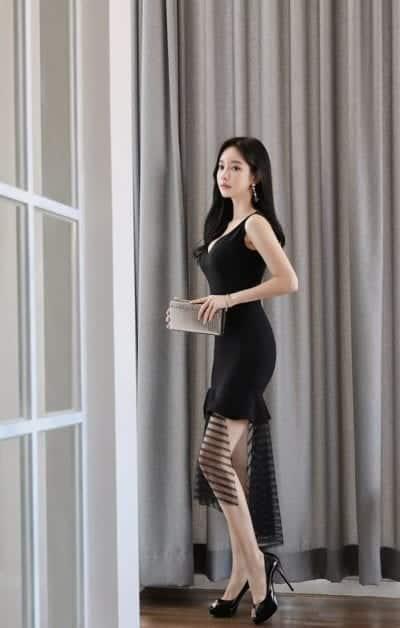 Đầm đen dự tiệc vẫn lộng lẫy không kém sắc