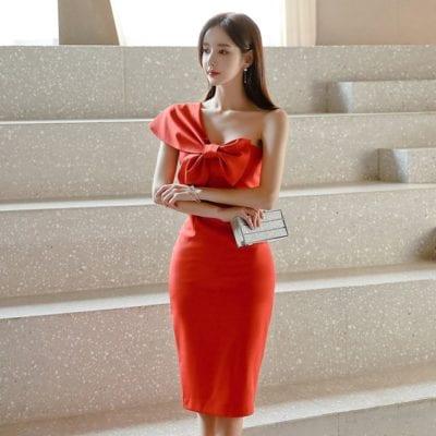 Đầm dự tiệc trễ một vai tông đỏ đầy mê mị