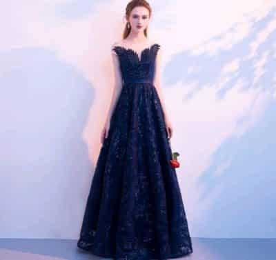 Đầm dạ hội ren – giá sỉ 395,000đ /cái.