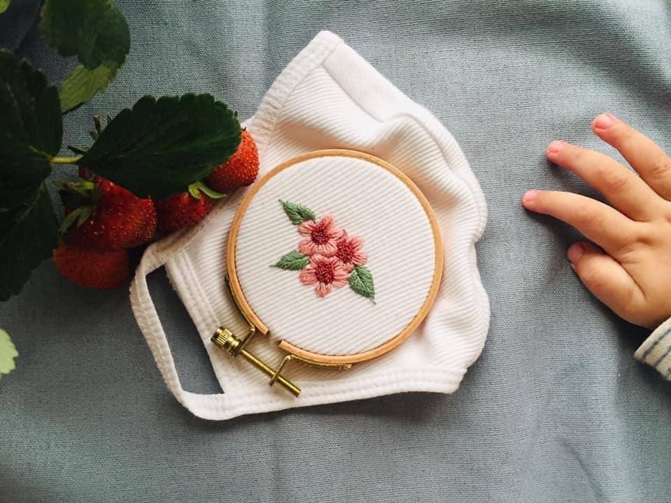 Thành quả khẩu trang handmade tại nhà được các chị em chia sẻ trên mạng xã hội