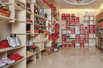 Cửa hàngK.B Sneaker Store