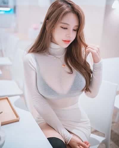 Cân nhắc chọn áo lót phù hợp nhất là màu da đậm hoặc màu cà phê sữa