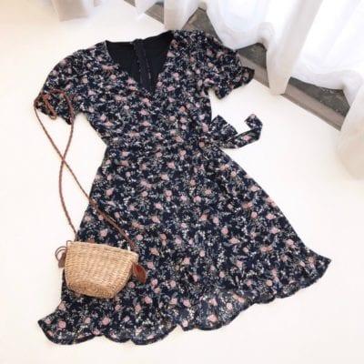 Đầm hoa – giá sỉ theo số lượng: 160,000 – 170,000đ /cái.