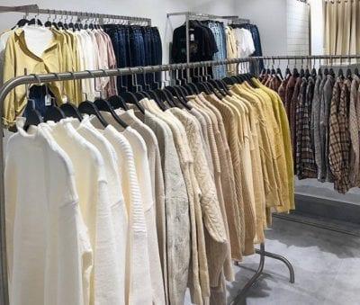 Thời trang tại Len Clothing khá đa dạng, có thể sử dụng cho mọi lứa tuổi từ trẻ đến trung niên, và cả người già