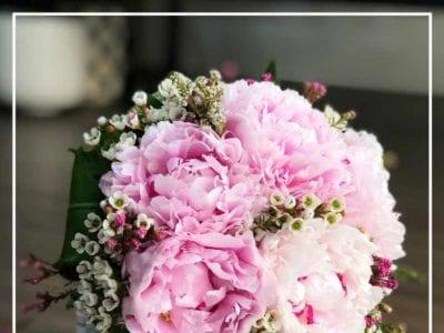 Khách hàng sẽ được giảm giá từ 5% đến 10% khi đặt mua hoa hoặc sử dụng dịch vụ điện hoa tại Hoa tươi Nét Việt