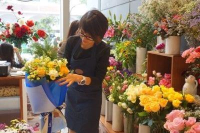 Hoa 360 là nơi hội tụ của các loài hoa đang thịnh hành nhất hiện nay như hoa lan, hoa cẩm chướng, hoa hồng…