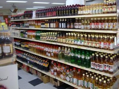 Tokyo Mart là địa điểm cung cấp toàn diện các mặt hàng ẩm thực và tiêu dùng Nhật Bản như hóa mỹ phẩm, gia dụng, thực phẩm đóng hộp, thực phẩm chức năng, thực phẩm tươi sống…